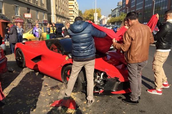 laferrari accident in bupdapest 1 - В Будапеште разбился суперкар LaFerrari