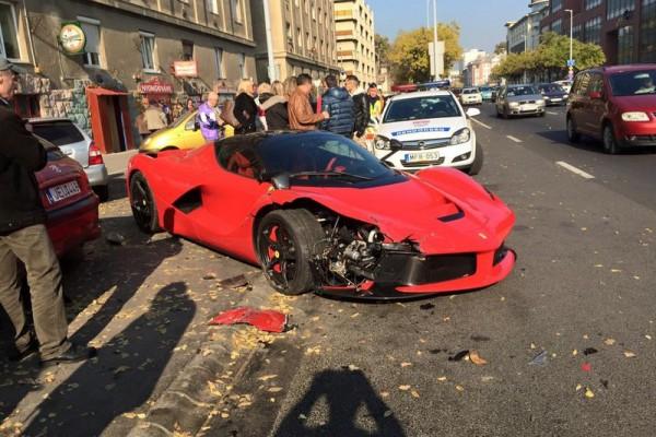 laferrari accident in bupdapest 5 - В Будапеште разбился суперкар LaFerrari