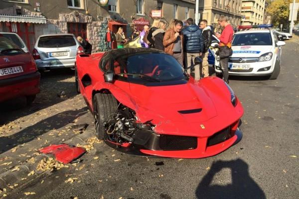 laferrari accident in bupdapest 8 - В Будапеште разбился суперкар LaFerrari